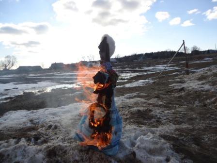 Проводили зимушку и сожгли мы чучело
